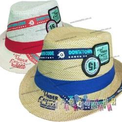 Шляпа с лейбами